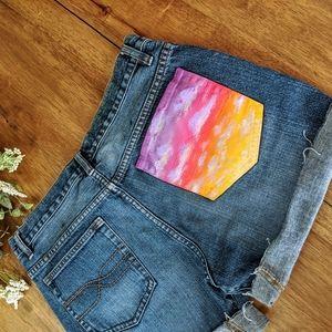 Sunset pocket cut off jean shorts